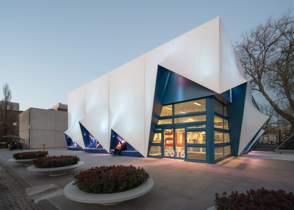 3D-printed-facade_EU-building_Heijmans_DUS-Architects_dezeen_1568_0