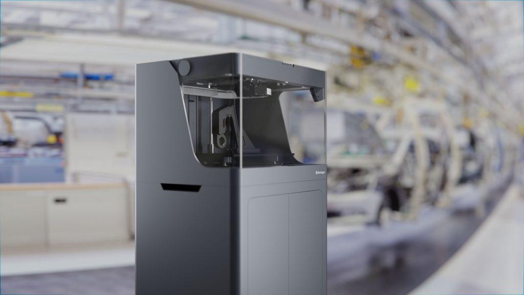 3D принтер Mark X7 в производствена среда
